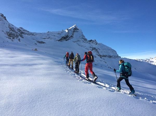Raid à ski avec un guide de haute montagne
